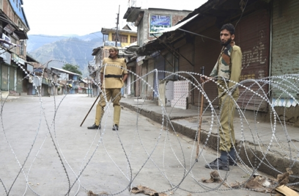 Some normalcy as curfew is lifted in Kashmir Valley