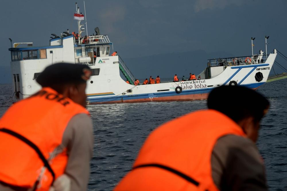 The Weekend Leader - 7 bodies found, 11 missing in Bali ship capsize