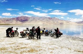 Bikers and women