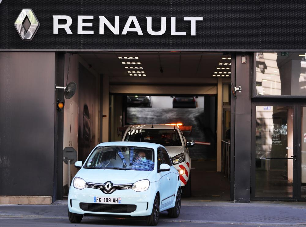 The Weekend Leader - Renault India ships out 760 Kigers to South Africa