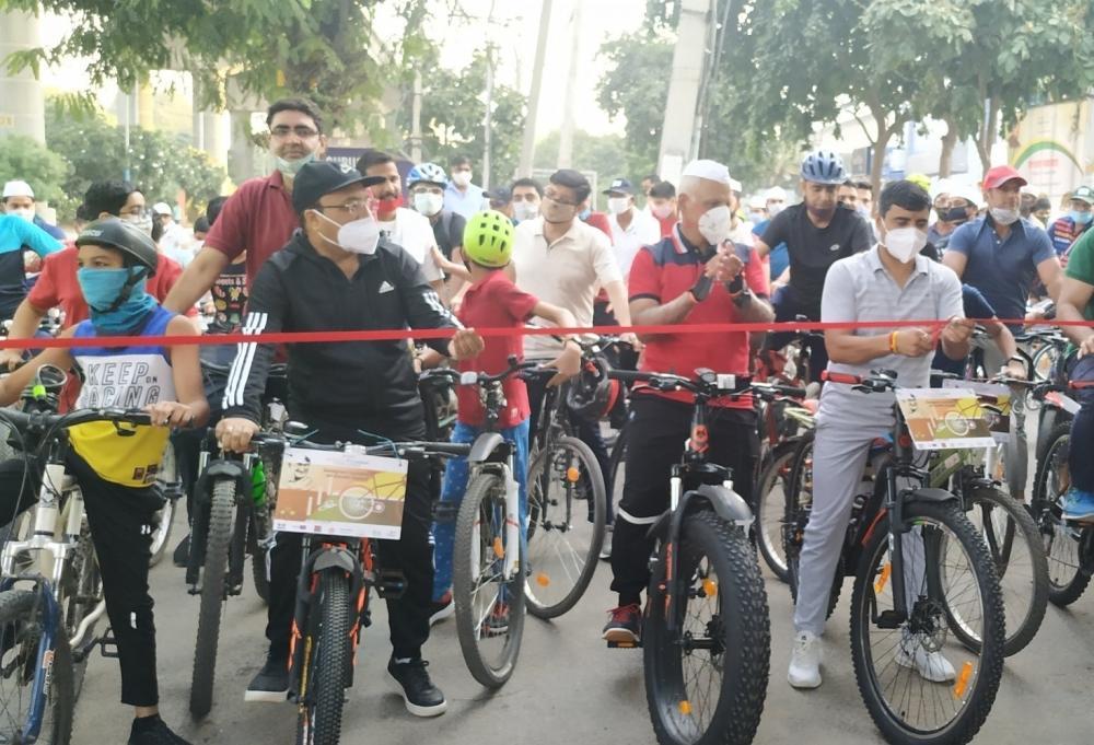 The Weekend Leader - Gurugram gets first dedicated cycle track on Gandhi Jayanti