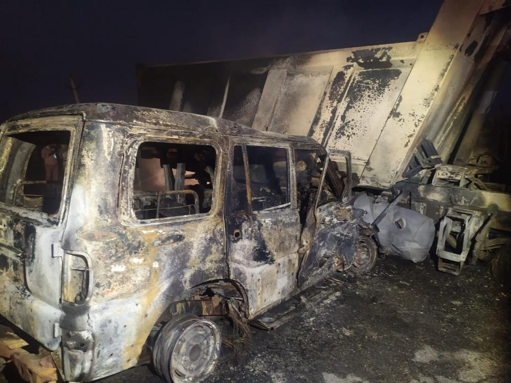 The Weekend Leader - 4 TN red sanders' smugglers burnt to death in Andhra accident