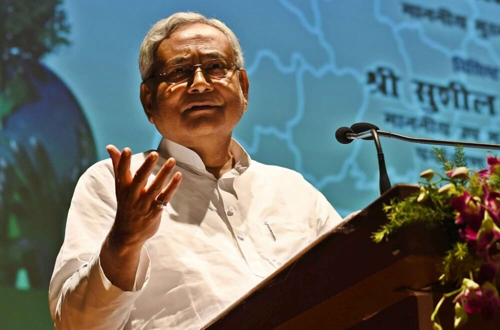 Bihar IPS officer issue snowballs as Nitish expresses displeasure