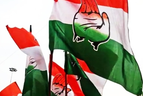 The Weekend Leader - UP Cong plays caste game, woos Dalits