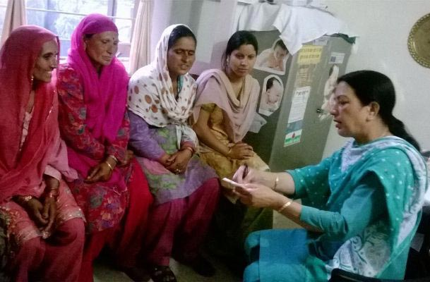 The Weekend Leader - A female health worker has performed over 3,000 deliveries and related procedures with zero failure | Heroism | Chamba (Himachal Pradesh)