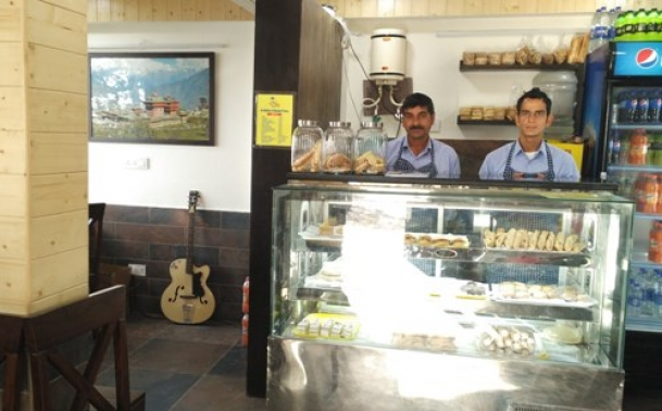The Weekend Leader - At this cafe in Shimla life convicts will serve you cookies and pizza | Resilience | Shimla