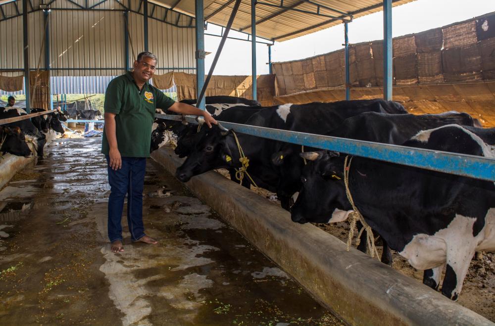 The Weekend Leader - Story of M'ma Dairy Farm, Indima Organics Private Limited, founder Santosh Sharma