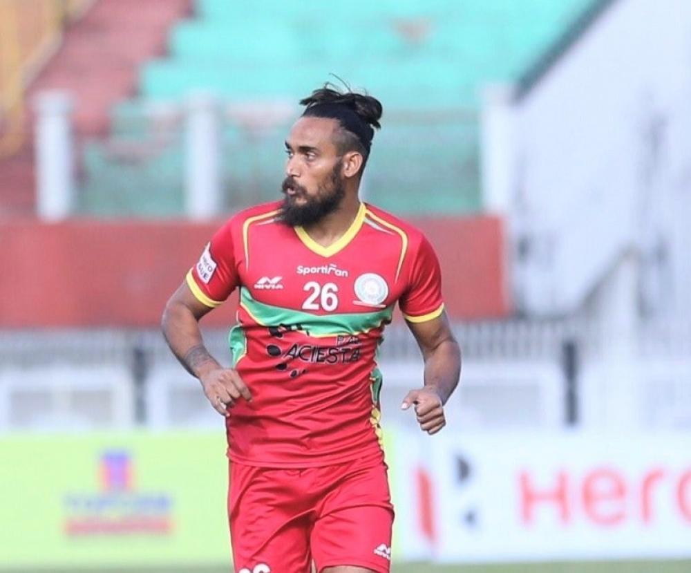 The Weekend Leader - Chennaiyin FC rope in defender Deepak Devrani