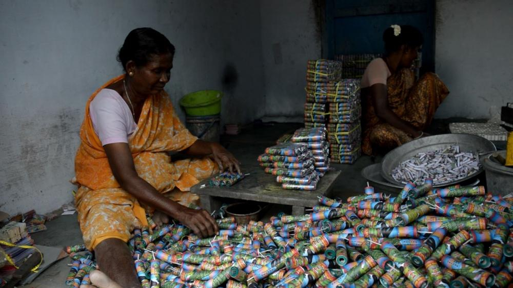 The Weekend Leader - Firecracker ban adds to worries of Sivakasi's manufacturers