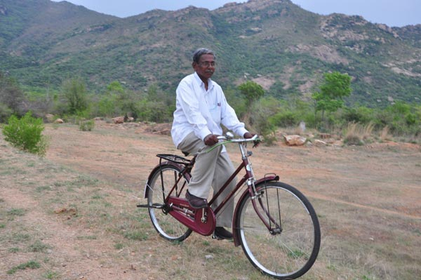 The Weekend Leader - K Viswanathan, former panchayat president, Kattuputhur panchayat, is a man with a mission