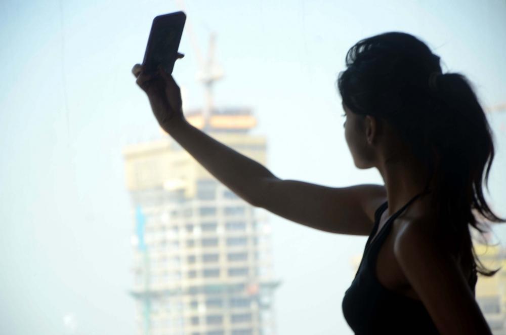 The Weekend Leader - Three girls drown in Telangana tank while taking selfie