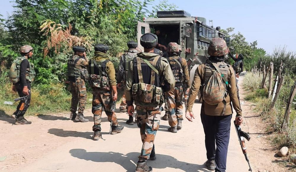 The Weekend Leader - Pakistani troops repeatedly violate LoC ceasefire in J&K