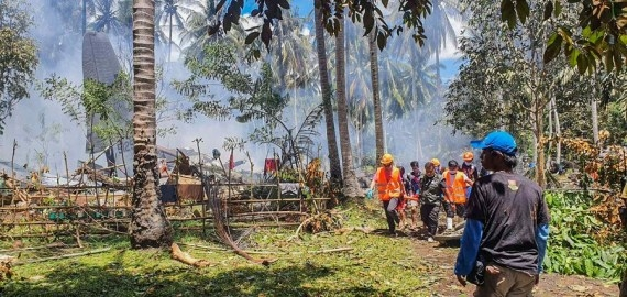 The Weekend Leader - Death toll in Philippine military plane crash reaches 52
