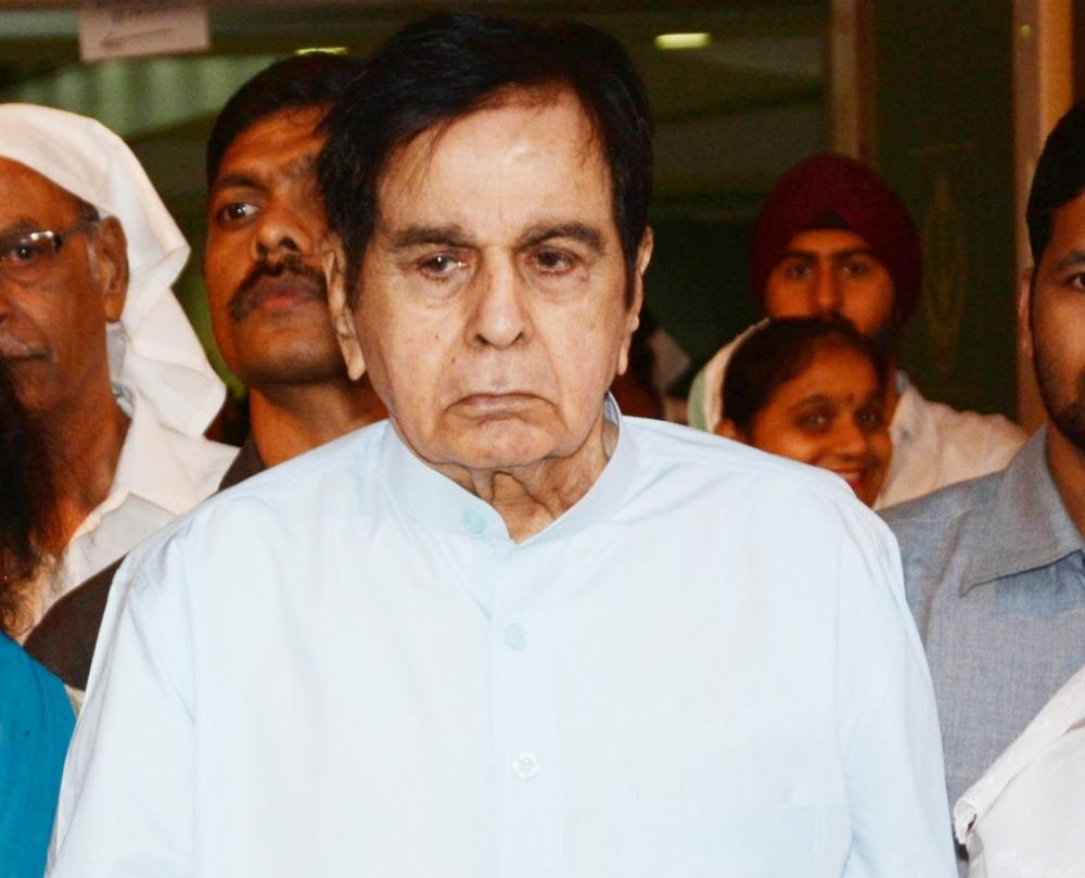 The Weekend Leader - Dilip Kumar no more, Bollywood condolences pour in