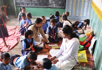 The Weekend Leader - A school with a difference that every villager swears by | Culture | Kanker