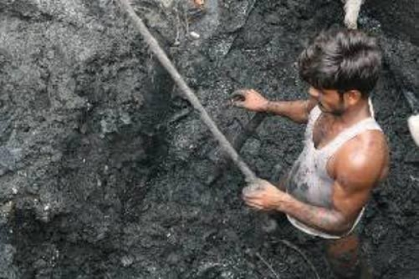 The Weekend Leader - On paper we have almost got rid of manual scavenging, but truth is far from it | Crusade |