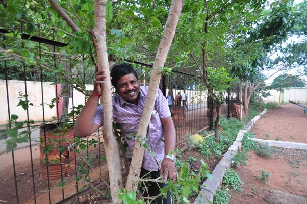 The Weekend Leader - Story of environmentalist M Yoganathan, a bus conductor in Coimbatore