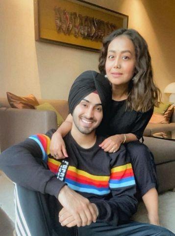 Neha Kakkar makes relationship with Rohanpreet Instagram-official
