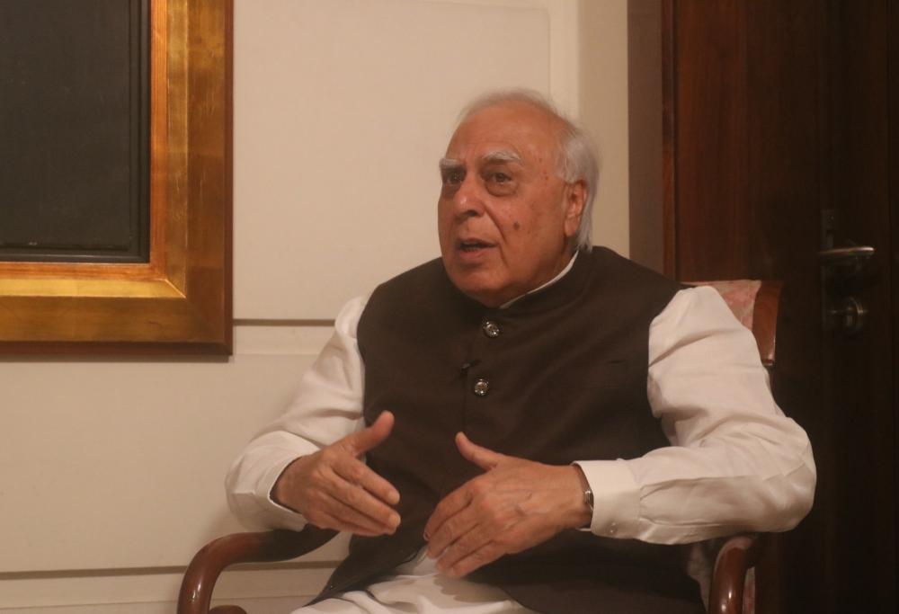 The Weekend Leader - If 'ideology' doesn't matter, changeover is easy: Sibal