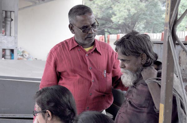 The Weekend Leader - Agal Foundation's S M Venkatesh  works for homeless people in Chennai