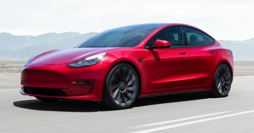 The Weekend Leader - Tesla Model 3 spotted in India ahead of launch
