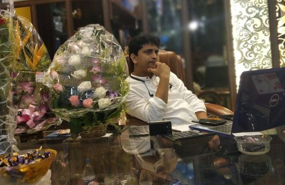 The Weekend Leader - Md Shadan Siddique, founder, owner, Glassto India, glass company