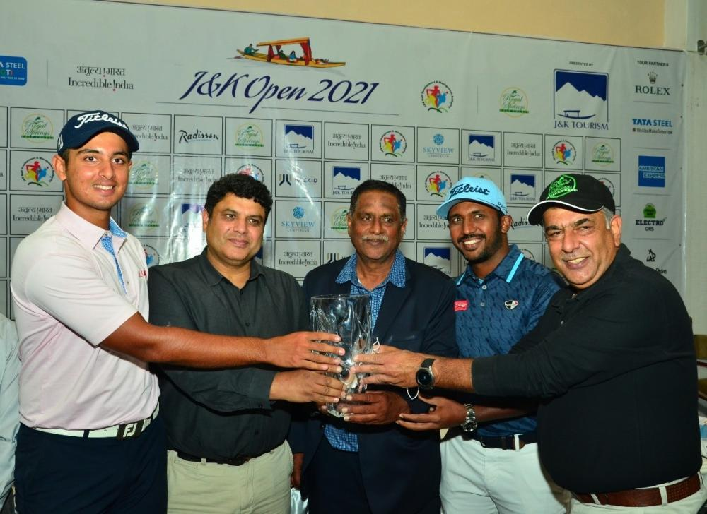 The Weekend Leader - Chikka, Randhawa top attractions at J&K Open