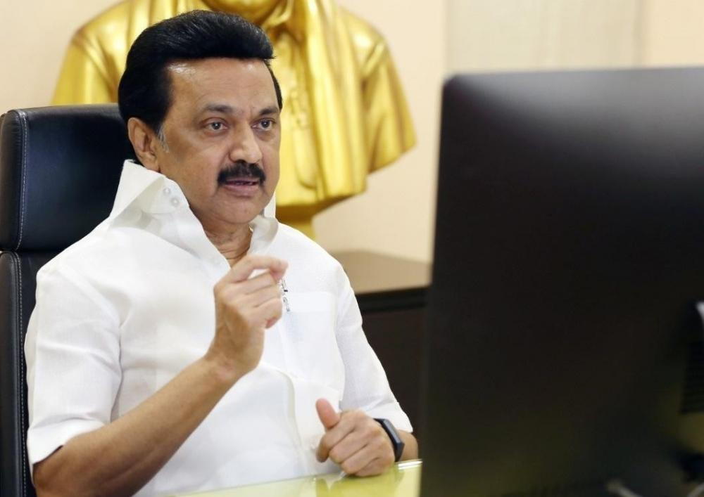 The Weekend Leader - Help the common man, Stalin tells newly-appointed District Collectors