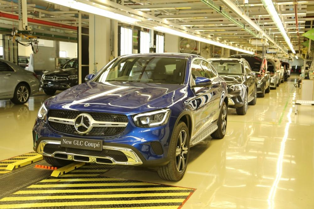 The Weekend Leader - As Covid bites, luxury auto makers unleash offers' offensive