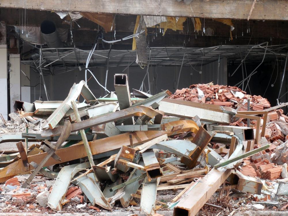 The Weekend Leader - 4 of a family killed in house collapse