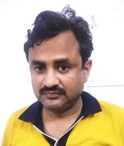 The Weekend Leader - Lucknow teacher posing as doctor, arrested after patient dies