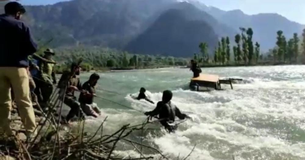 The Weekend Leader - Army saves 2 persons from drowning in Kashmir