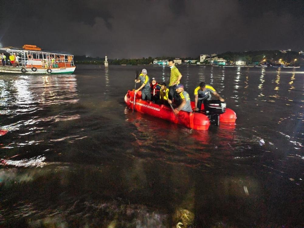 The Weekend Leader - 3 drown during Ganpati immersion in Mumbai