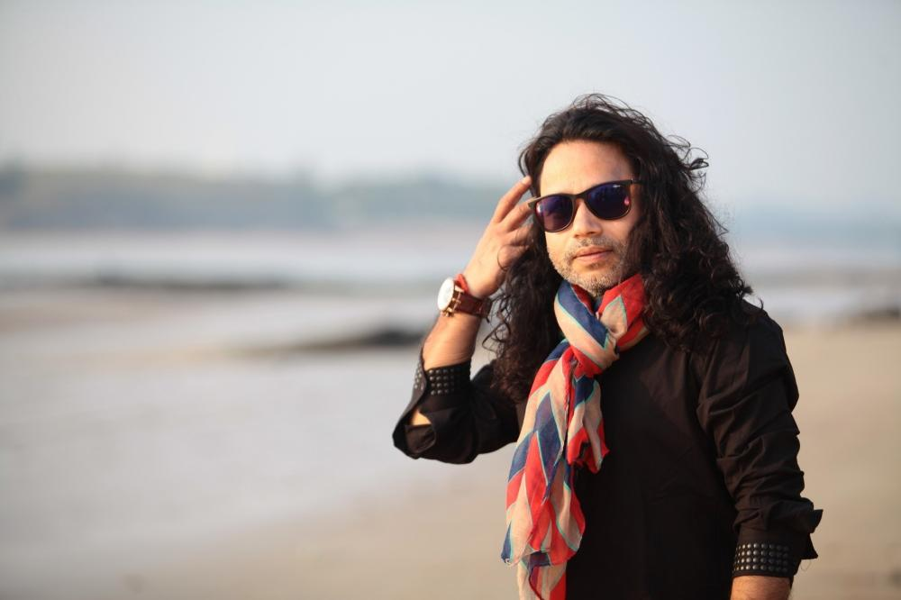 The Weekend Leader - Kailash Kher: Rs 72 lakh could educate children instead of buying fake followers