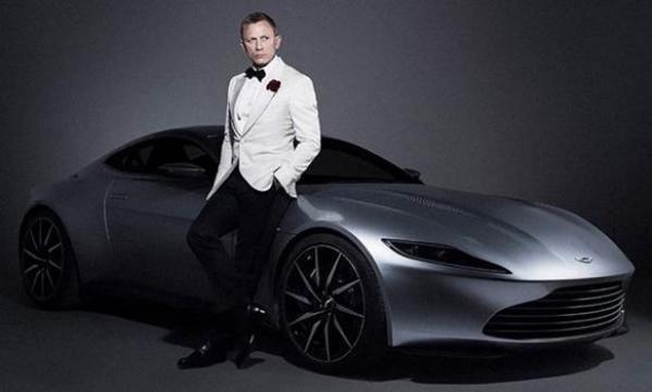 The Weekend Leader - Daniel Craig named honorary Royal Navy commander