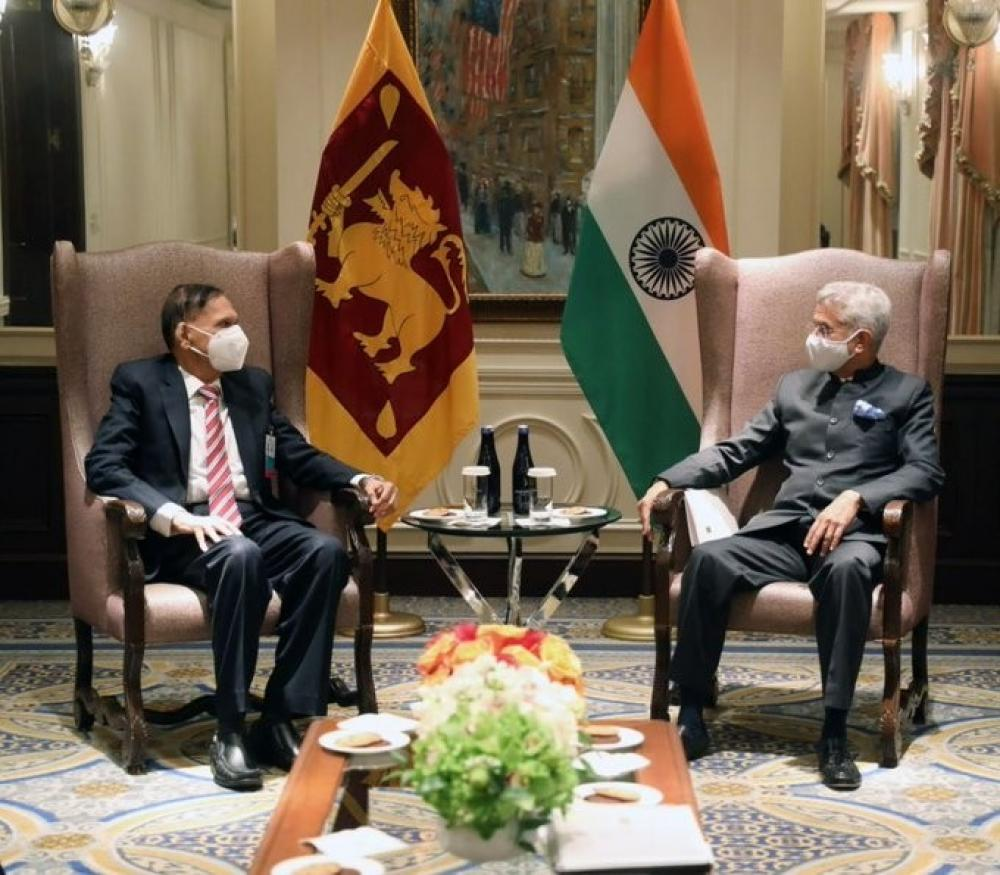The Weekend Leader - SL FM briefs Indian counterpart on actions taken on post-war issues