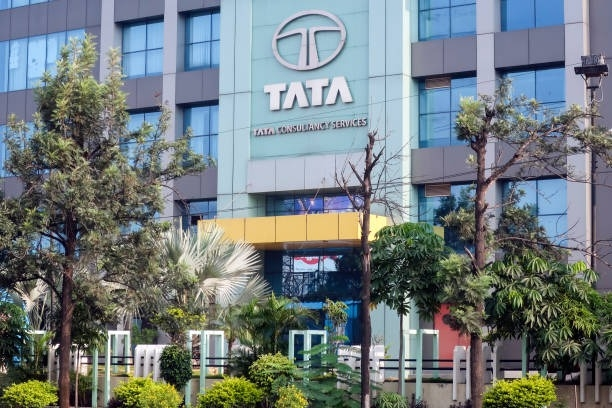The Weekend Leader - Shares of Tata Group firms surge after SC verdict against Mistry