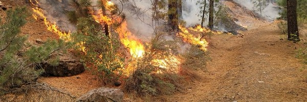 The Weekend Leader - Wildfire in California threatens over 10,000 homes