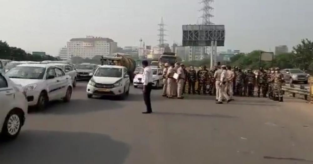 The Weekend Leader - Bharat Bandh: Traffic congestion at Delhi-Gurugram border