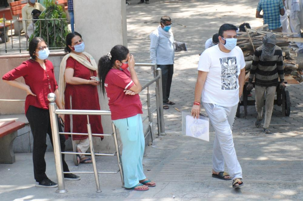 The Weekend Leader - Delhi reports lowest daily Covid cases since March