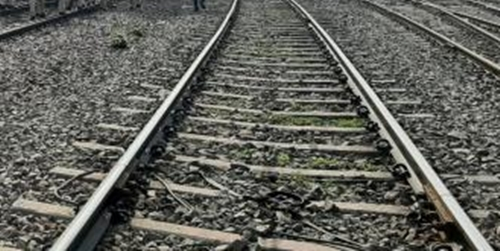 The Weekend Leader - CRPF trooper crushed to death by speeding train in J&K