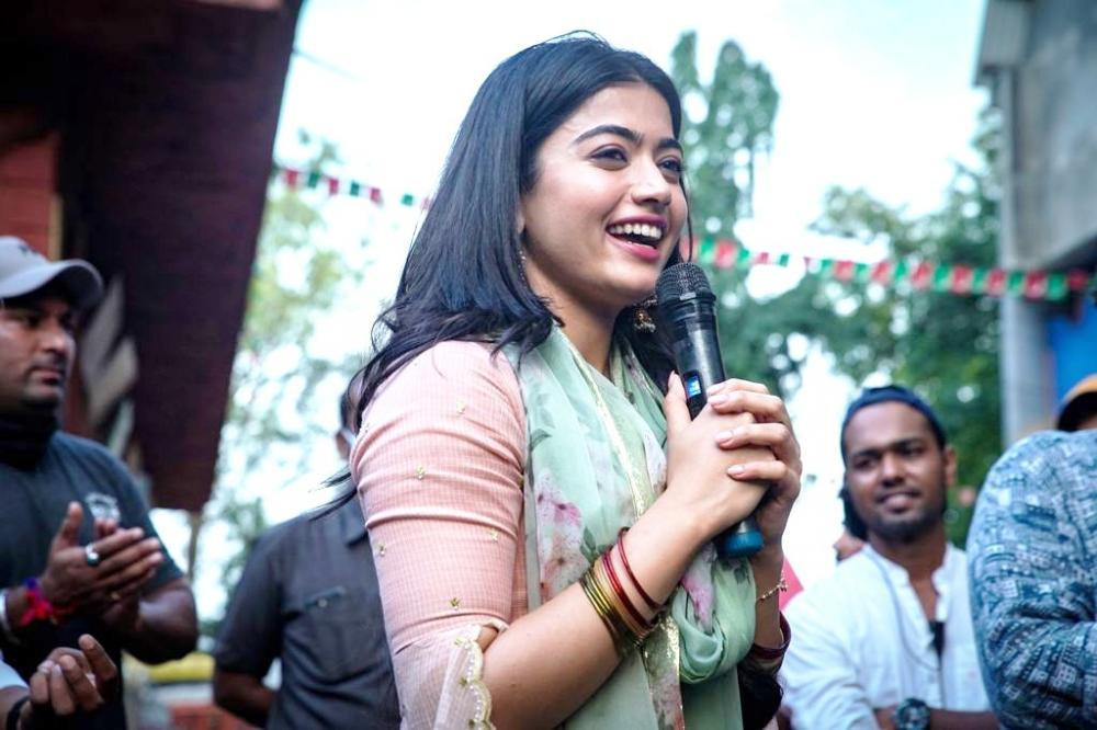 The Weekend Leader - Rashmika Mandana finishes shoot of Hindi debut 'Mission Majnu'