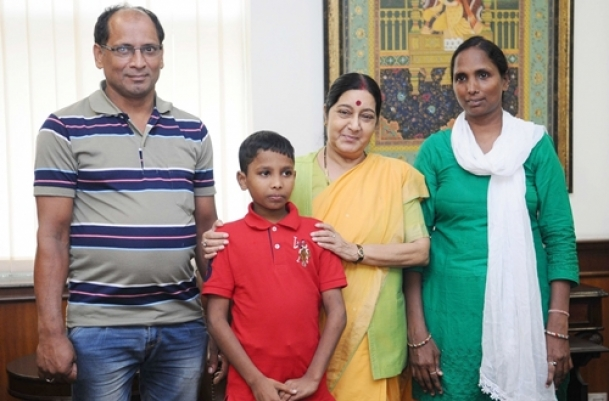 Sushma welcomes home Indian boy Sonu
