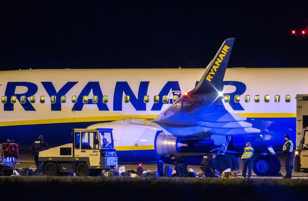 The Weekend Leader - Ryanair plane diverted to Berlin over potential threat