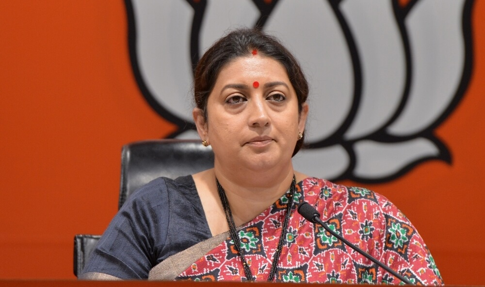 The Weekend Leader - Cong preferred votes over lives of Muslim women: Smriti