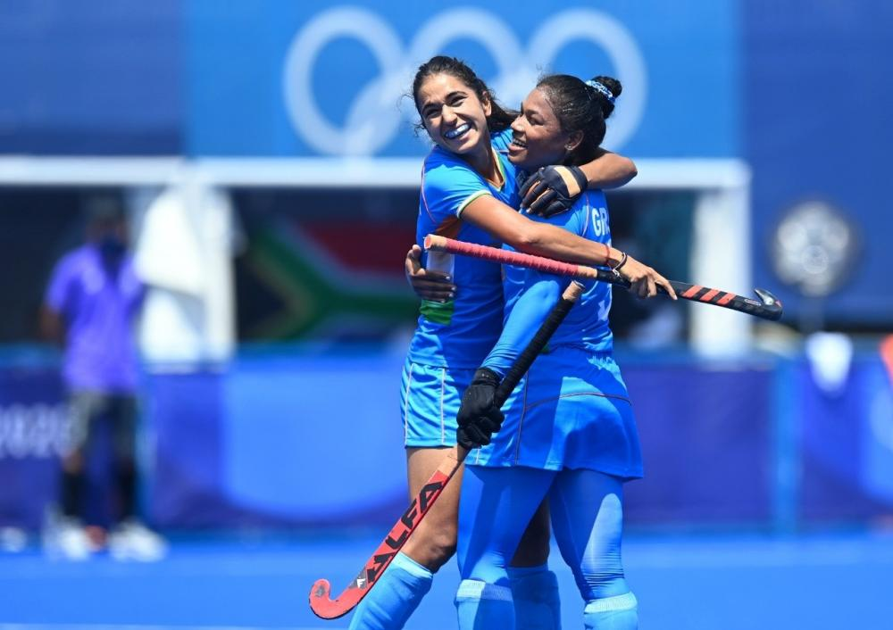 The Weekend Leader - Olympics hockey: India women's team makes maiden entry into quarterfinals