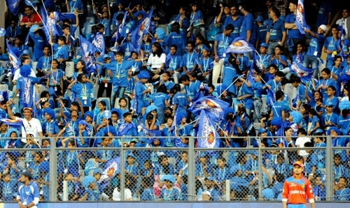 Gear up & keep batting from your crease till 3rd May: MI to fans