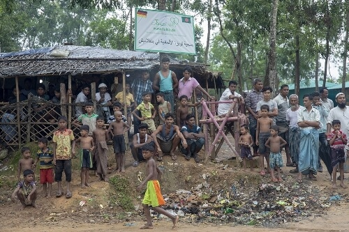 Bangladesh detains 382 Rohingya trying to enter by sea