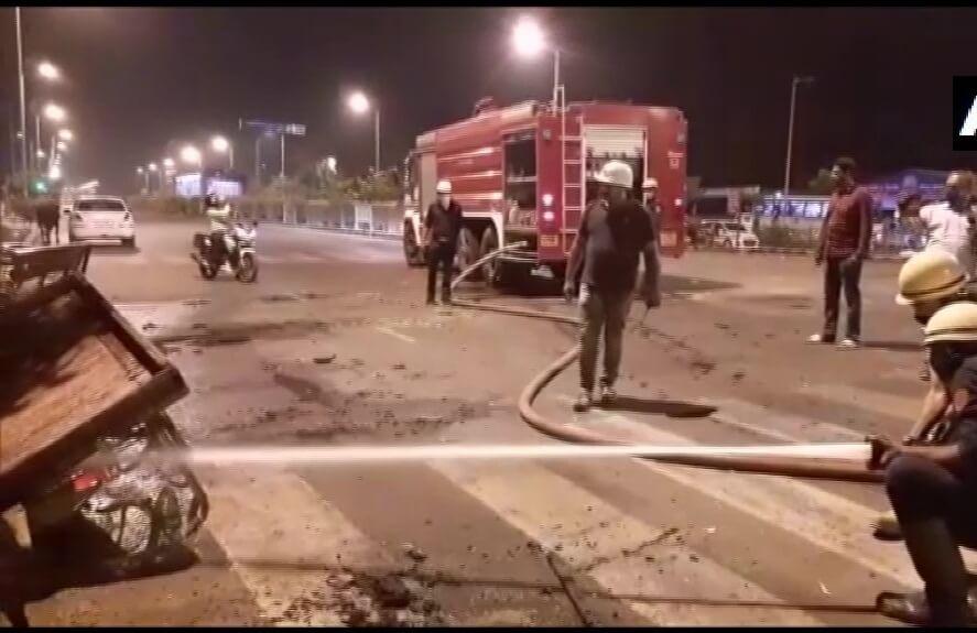 Migrant labourers ransack offices, vandalise vehicles in Surat