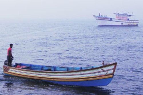 Fibre boats' use to navigate sea surprises TN, fishermen